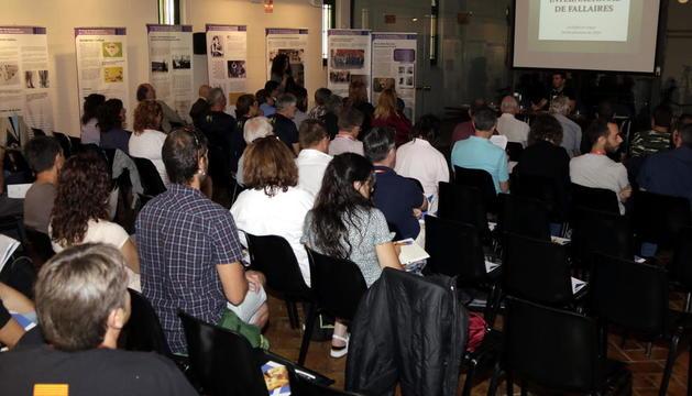 Medio centenar de representantes de 20 pueblos 'fallaires' participaron en la reunión en La Pobla.