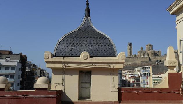 estació de ferrocarril. Vista de la Seu Vella des de la terrassa, on no es pot accedir habitualment.