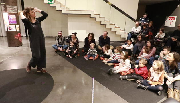 Les bruixes, protagonistes a Lleida - El Museu de Lleida segueix amb l'activitat habitual i ahir va acollir la segona de les actuacions paral·leles a l'exposició Se'n parlave i n'hi havie. En aquesta ocasió, l'activitat va ser Contes f ...