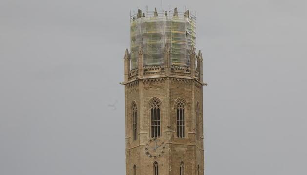 Las agujas del reloj del campanario de la Seu Vella se quedaron ayer 'ancladas' en las dos.