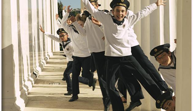 Els prop de 100 Nens Cantors de Viena ofereixen 300 concerts a l'any, amb gairebé mig milió d'espectadors a tot el món.