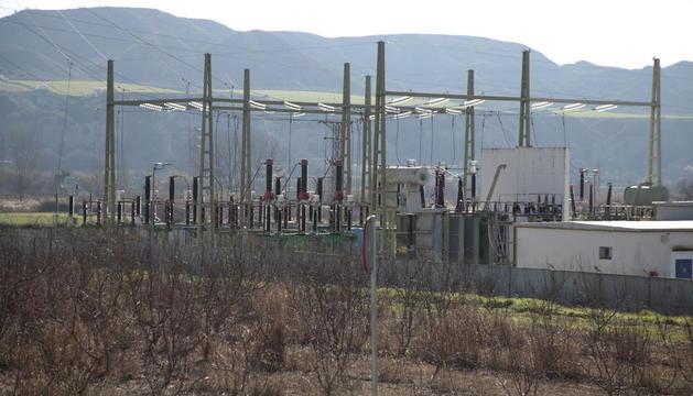 Subestació elèctrica d'Alfarràs, a prop d'Ivars de Noguera, on es busquen finques agrícoles.