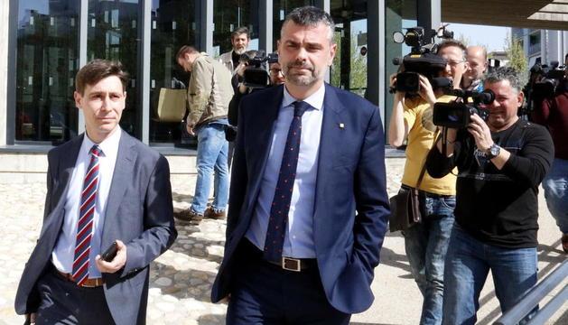 L'exconseller Santi Vila, l'abril del 2018, al sortir dels jutjats d'Osca després de prestar declaració.