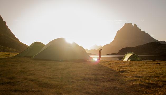 'Saludant les primeres llums del dia', foto guanyadora del concurs 'Les meues vacances'.