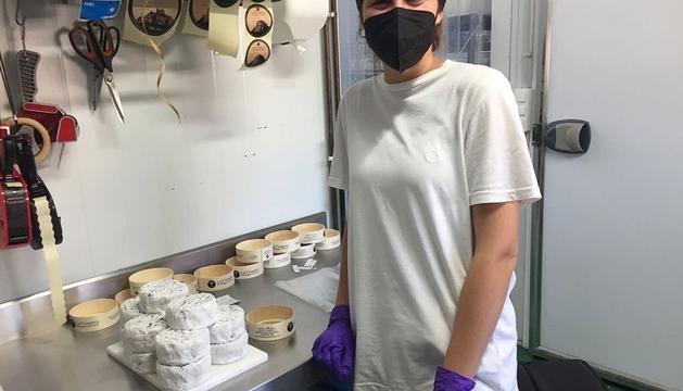 «He tingut l'oportunitat de créixer professionalment i aprendre d'artesans que valoren la seua feina i ho fan amb amor.» Ariadna Ra mírez. Formatgeria La Frasera de Vacarisses
