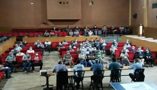 La reunión de regantes se celebró el viernes en Castelldans.