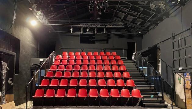 Una vista interior de La Mercantil, con las butacas a punto para el estreno este próximo fin de semana.