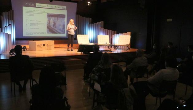 La jornada 'El nou valor del comerç de proximitat' de la Cambra de Comerç de Lleida a l'Espai Orfeó.