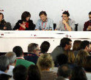 La gestora del PSOE compleix un mes sense aconseguir apaivagar la divisió interna