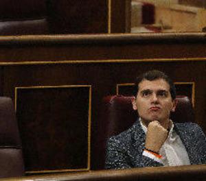 Crítics de C's agregen la reelecció a Rivera qüestionant la democràcia interna