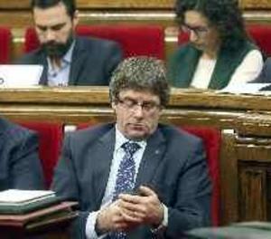 Puigdemont convoca la cimera pel referèndum el 23 de desembre en el Parlament