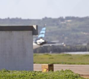 Una vista de la cua de l'avió.