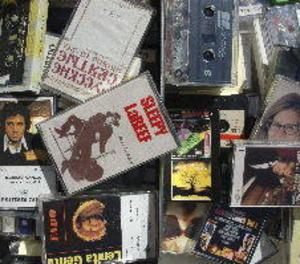El CD agonitza, el vinil està cada dia més de moda i tornen els cassets