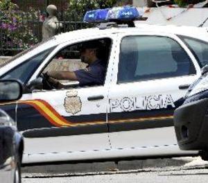 Detingut un fals metge que feia circumcisions a menors per 150 euros