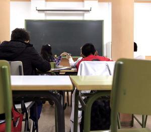 Imatge d'arxiu d'una aula.