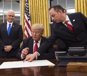 Trump comença a desmuntar la reforma sanitària d'Obama