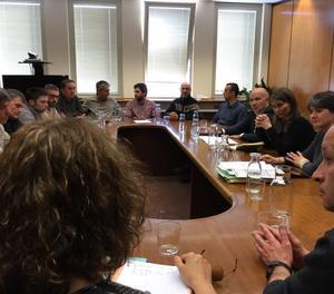 La reunió de la consellera Serret amb els representants dels Agents Rurals.