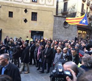 Milers de persones es manifesten davant del TSJC en suport a Ortega, Rigau i Mas.