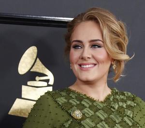 Adele i David Bowie fan ple en la 59 edició dels Grammy