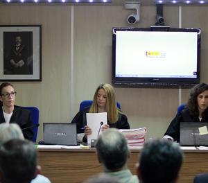 Les magistrades Rocío Martín, Samantha Romero i Eleonor Moyà, durant la presentació de les conclusions del judici del cas Nóos