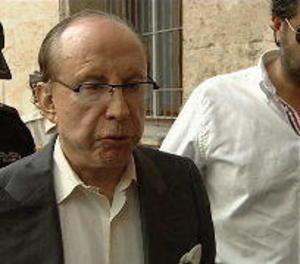 Exhumen les restes de Ruiz Mateos per practicar-li una prova de paternitat