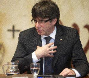 Puigdemont reuneix Forcadell, JxSí i la CUP per parlar del referèndum