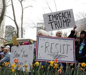 Manifestants a Nova York en la marxa contra Trump.