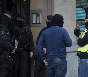Els Mossos d'Esquadra estan desenvolupant una operació contra el terrorisme gihadista en diverses localitats de Catalunya, en una operació dirigida pel Jutjat Central Número 5 de l'Audiència Nacional