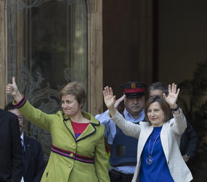 La presidenta del Parlament, Carme Forcadell, i la secretàriade la Mesa Anna Simó.