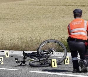 Un ciclista va morir el passat 10 de juny després de ser atropellat per un vehicle al terme municipal d'Erice de Iza, a Navarra.