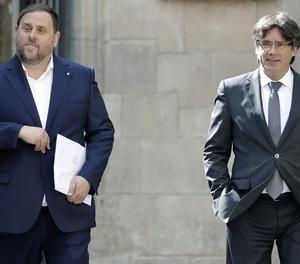 El president de la Generalitat, Carles Puigdemont, i el vicepresident, Oriol Junqueras.