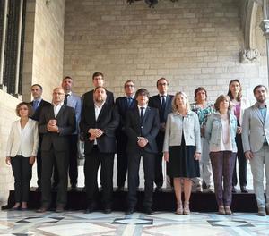 Fotografia oficial del nou Consell Executiu després de la presa de possessió de Santi Vila com a conseller d'Empresa i Coneixement