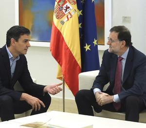 Pedro Sánchez y Mariano Rajoy en un moment de la reunió.