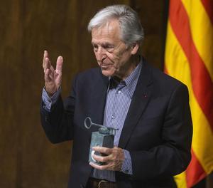 El director de cine Konstantinos Costa-Gavras, ahir després de rebre el Premi Internacional Catalunya.