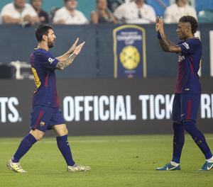 Messi s'acomiada de Neymar i li desitja