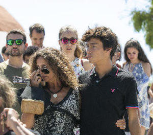 Eivissa acomiada Ángel Nieto en un emotiu funeral acompanyat de 500 motos