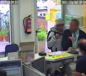 Les càmeres de seguretat van capturar el moment de l'assalt.