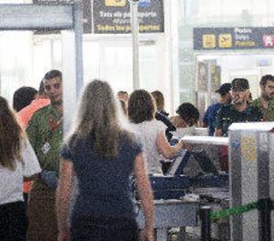 Els treballadors d'Eulen decideixen mantenir la vaga a l'aeroport d'El Prat