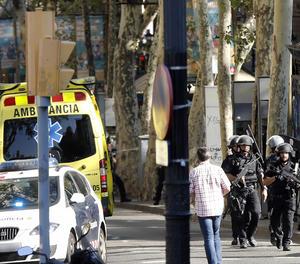 Agents dels Mossos d'Esquadra a la zona de l'atemptat