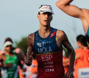 Mario Mola revalida el títol de campió del món de triatló