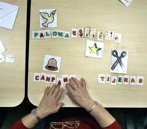 Una malalta d'alzheimer associa paraules amb imatges.