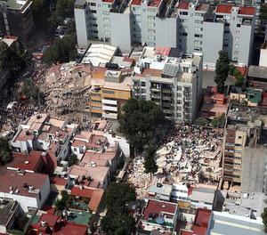 Vista de danys pel terratrèmol