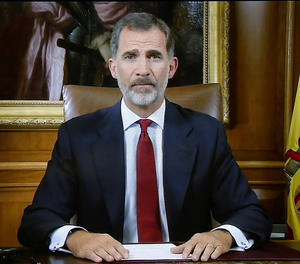 El Rei crida a assegurar ordre constitucional davant de situació d'extrema gravetat