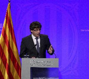 Puigdemont diu que aplicarà la llei que preveu la declaració d'independència