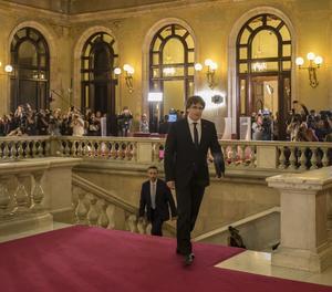 El president Puigdemont a la seua arribada al Parlament.