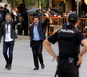 Jordi Sánchez i Jordi Cuixart aquest dilluns a l'Audiència Nacional.