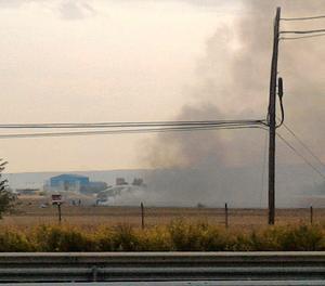 Una columna de fum després de l'accident de l'F-18.