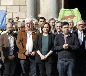 L'alcaldessa de Barcelona, Ada Colau, aquest dijous durant la concentració de suport als càrrecs acusats de rebel·lió.