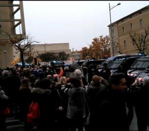 Tensió davant el Museu de Lleida