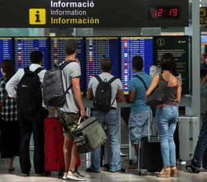 Viatgers a l'aerport del Prat